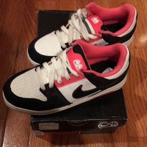 (Youth) Nike Sneakers